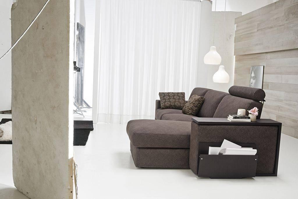 Divano moderno marrone idee per il design della casa - Divani letto ovvio ...